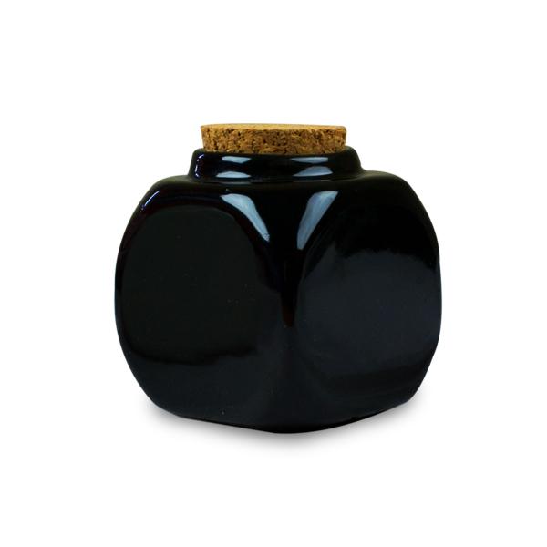 Pahar Din Portelan Negru Cu Dop