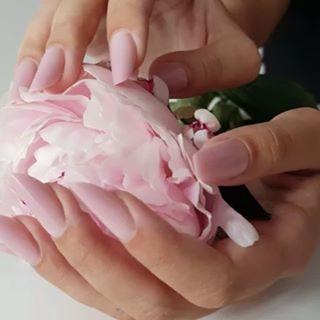 Most wanted nails: slim nails ???? Using #CupioFlexiSlim ???? • ✨Nail artist: @aurabakosnails ✨ • #Cupio #nails #cupionails #FlexiSlim #slimnails #instanails #nailstyle #nailstagram #nailaddict #nailsofinstagram #CupioGels #CupioSummer #naildesign